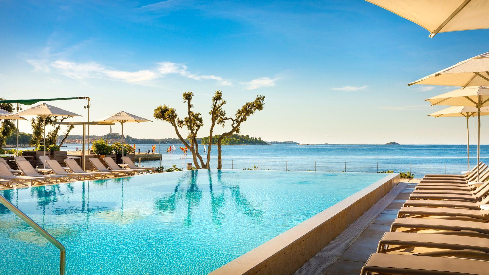 4* Resort Amarin